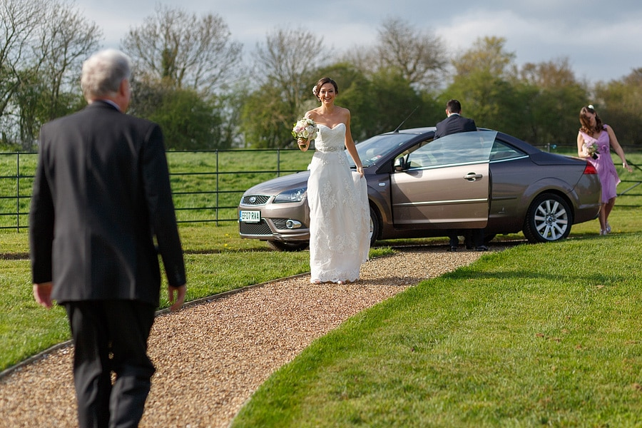 laura arrives at the ceremony