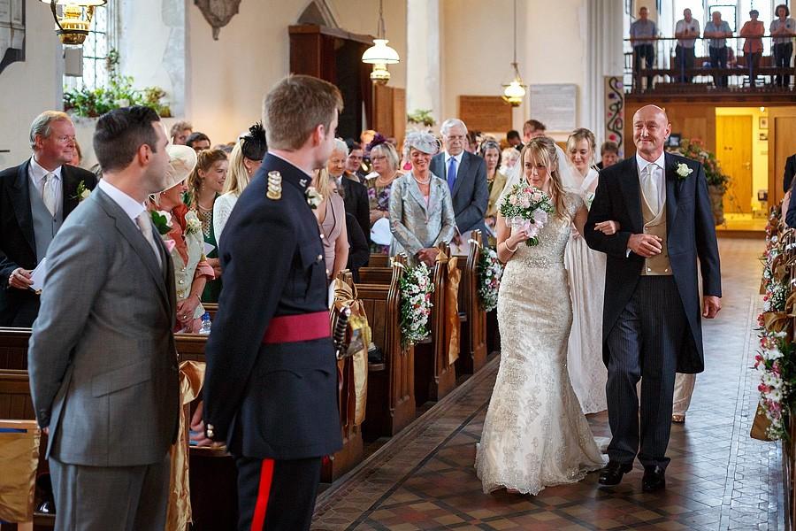 suffolk-barn-wedding-photos-7754
