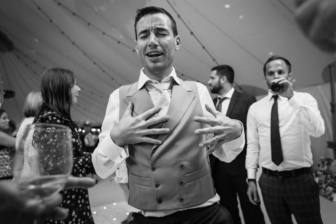 the best man hits the dancefloor in the sperry tent