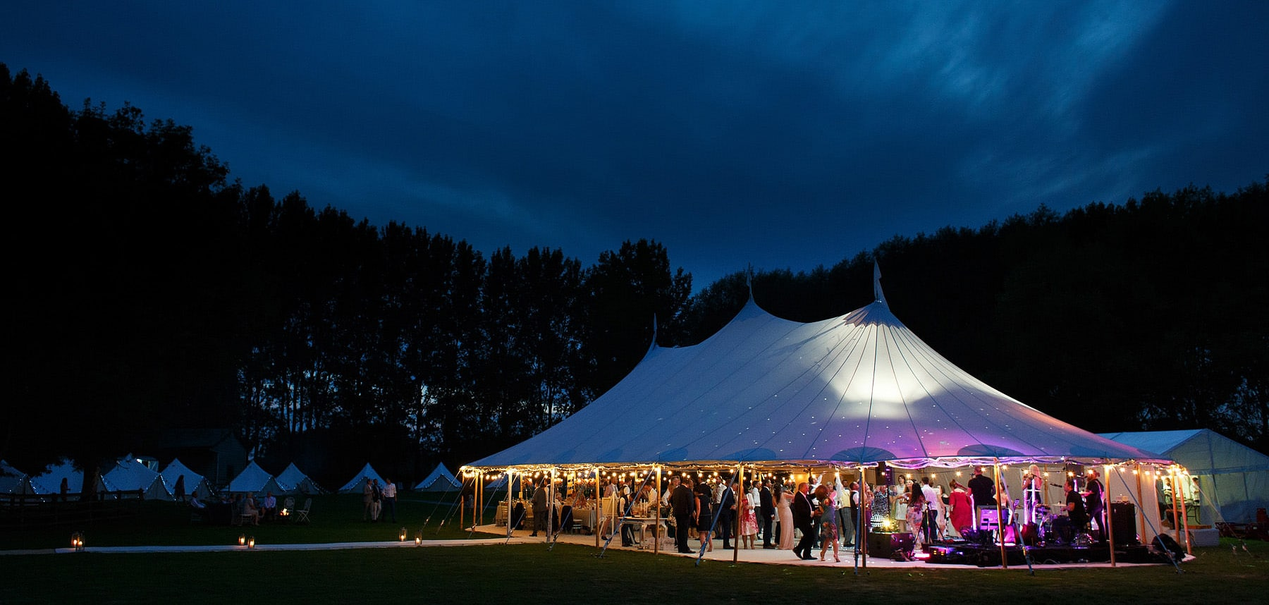 papakata sperry tent at an oxfordshire wedding