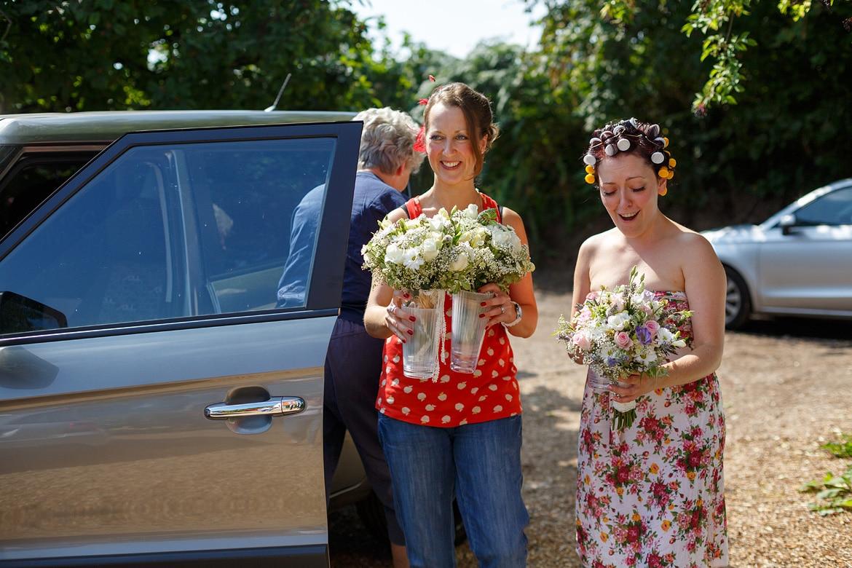 the brides flowers arrive