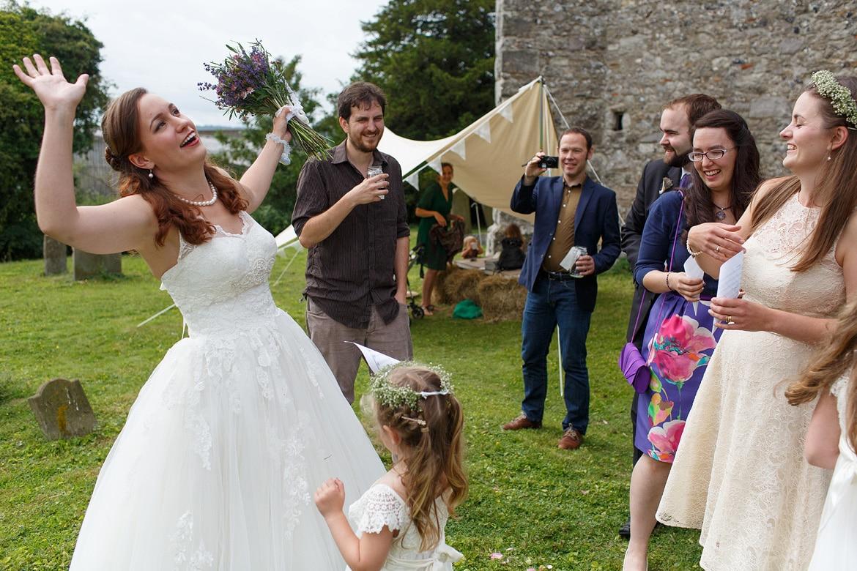 confetti for the bride