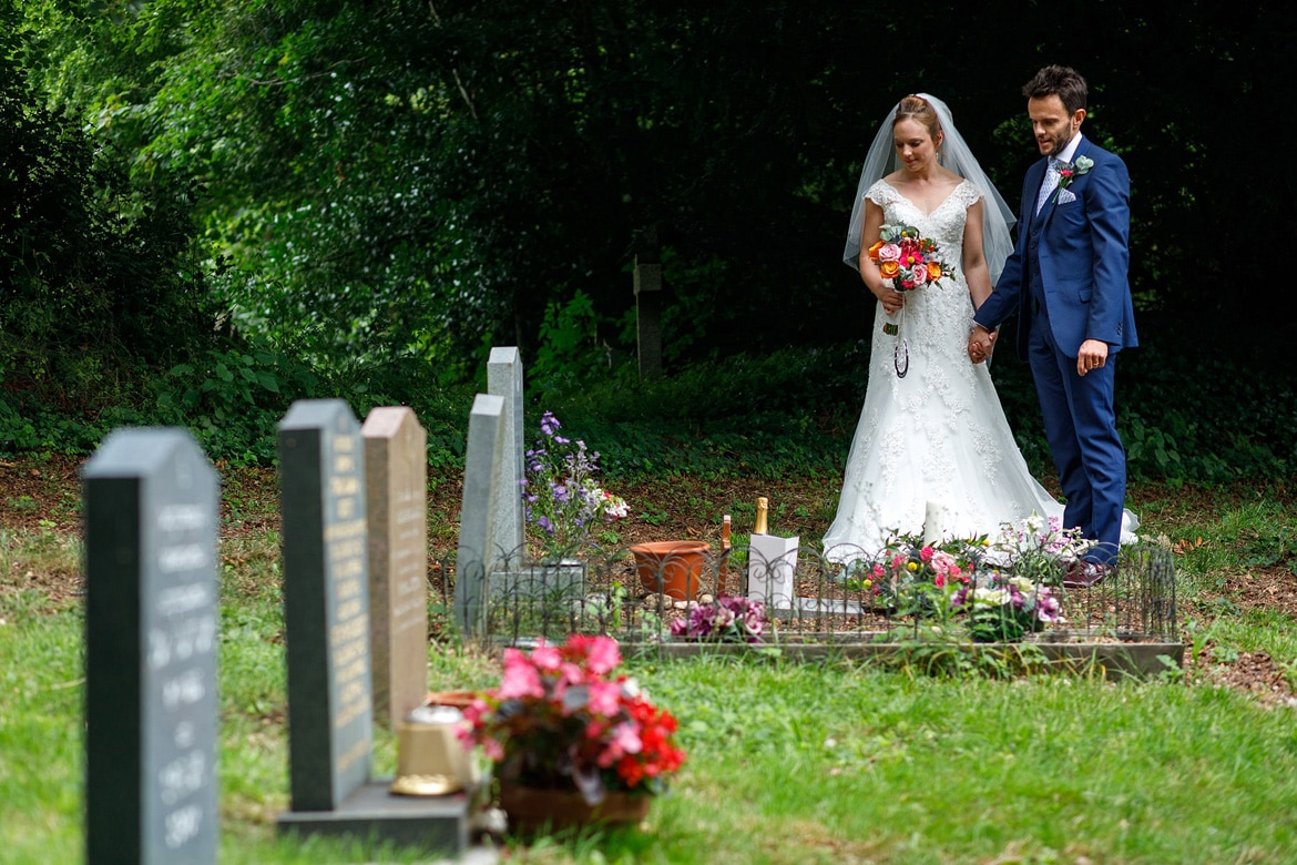 daniel and kate pay their respects at daniels mothers graveside