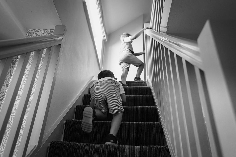 page boys run upstairs